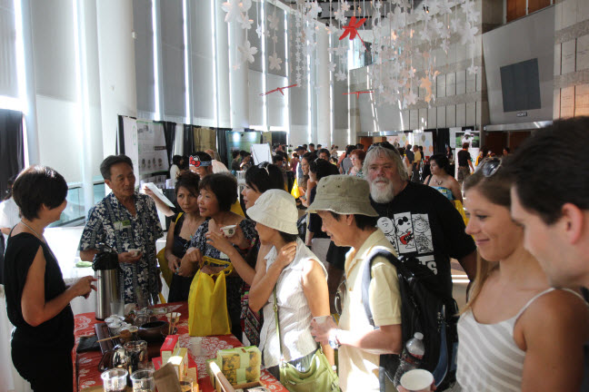 Attendees visit vendors during the 4th Annual Los Angeles International Tea Festival.